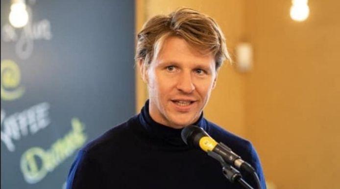 Axel Ronse deed het voorstel in het parlement om uitzonderlijk meer crematies toe te laten in het Kortrijks crematorium.