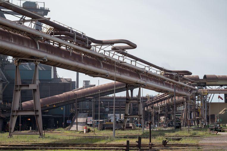Er werken rond de 9000 mannen en vrouwen bij Tata Steel in IJmond. Beeld Maarten Boswijk