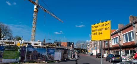 Ook wethouders Dalfsen vergissen zich in eenrichtingsverkeer Raadhuisstraat