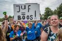 Duizenden leraren verzamelden zich eerder tijdens grote stakingen.