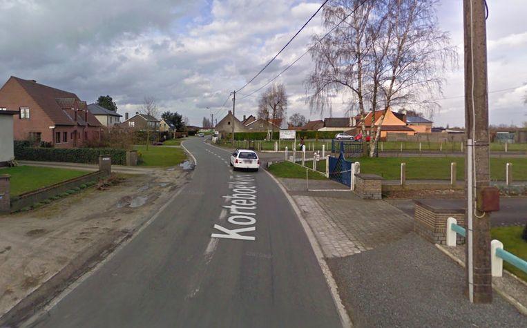 Het ongeval gebeurde in Korteboeken in Lievegem.