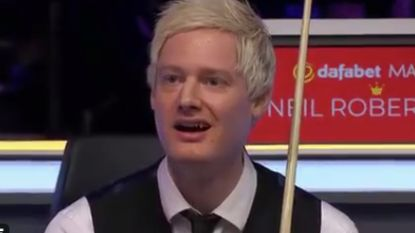 Publiek én spelers van Masters snooker geloven hun ogen niet na ongelofelijk shot Maguire