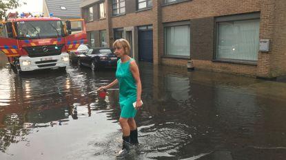 VIDEO: Nog hele week kans op onweer, kuststreek en Limburg kregen gisteren al volle laag