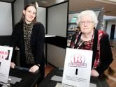 Janine (20) en Tonnie (84) vol overtuiging naar de stembus
