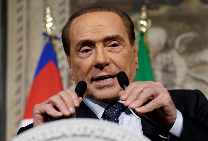 """Silvio Berlusconi: ,,Ik ken deze mevrouw niet."""""""