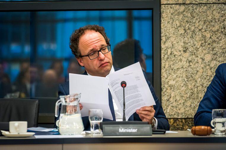 Minister Wouter Koolmees tijdens het algemeen overleg over pensioenonderwerpen in aanwezigheid van minister Koolmees.  Beeld ANP