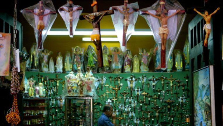 In Italië en Polen zijn de katholieke kruisbeelden verplicht op openbare scholen. Foto ANP Beeld