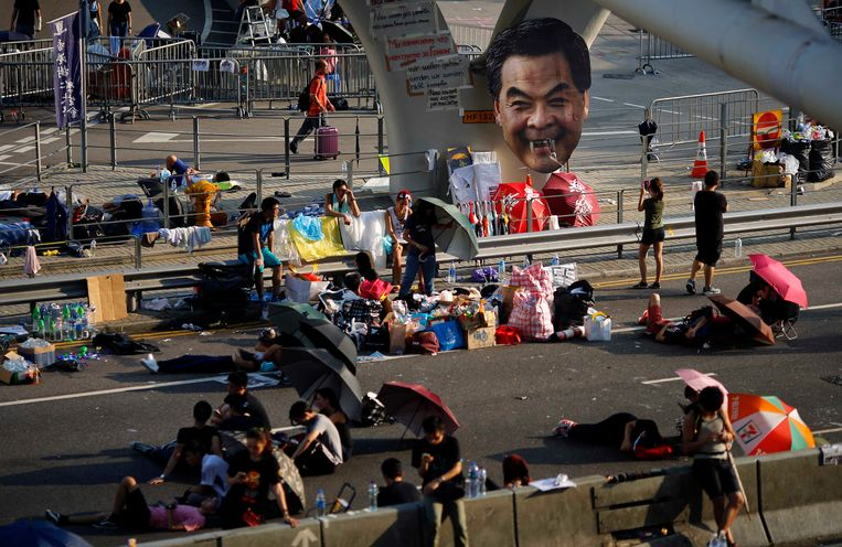 Veel demonstanten kamperen al dagen op straat. Beeld REUTERS