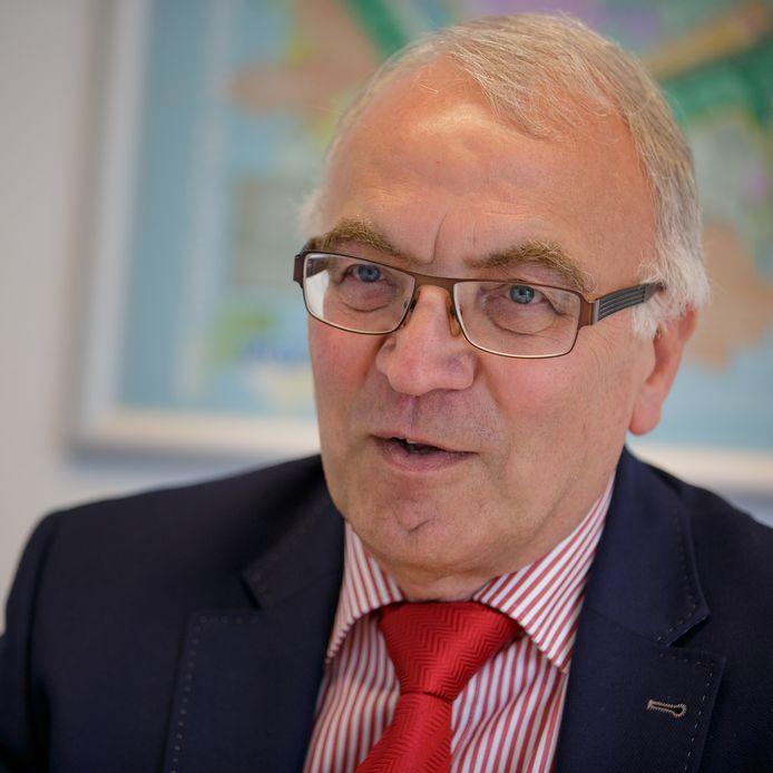 Eef Schoneveld, onderwijs- en welzijnswethouder in Moerdijk.