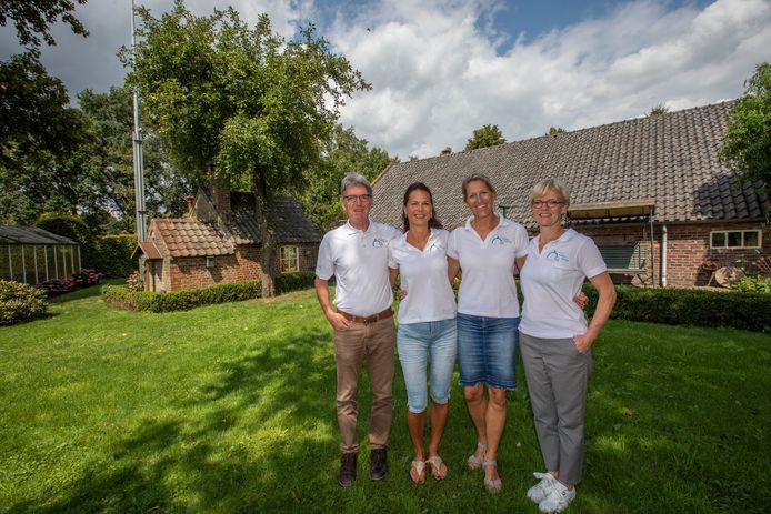 De mensen achter Stichting Liever in Lierop die een opvanghuis willen maken van een monumentale boerderij aan de Laan ten Boomen (archieffoto).