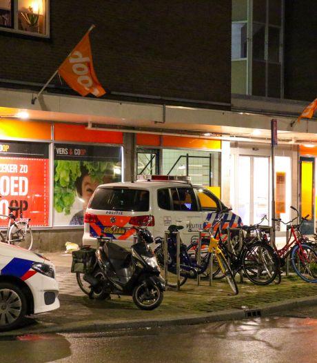 Overvaller bedreigt personeel supermarkt met mes in Rotterdam-Zuid