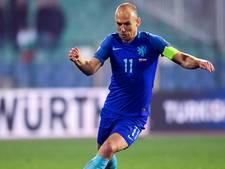 Robben ziet niets in vertrek Blind, is er zelf niet bij tegen Italië