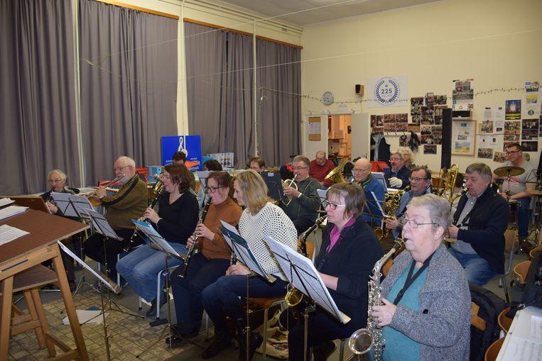 De Harmonie bestaat vandaag uit een 25-tal enthousiaste muzikanten.