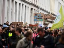 Klimaatbetogers overhandigen open brief aan burgemeester