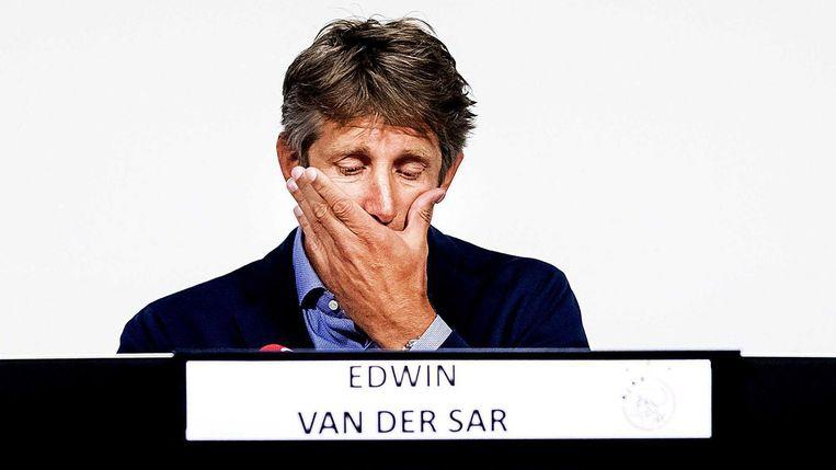 Edwin van der Sar tijdens de persconferentie Beeld ANP