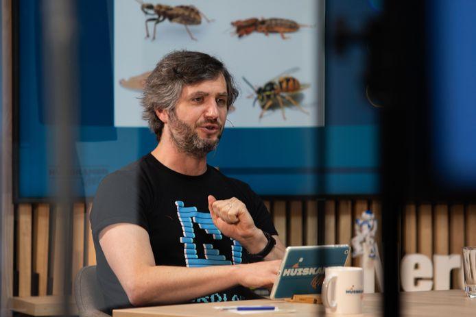 Lieven Scheire presenteerde drie quizzen voor telkens 500 deelnemers rond het thema wetenschap.