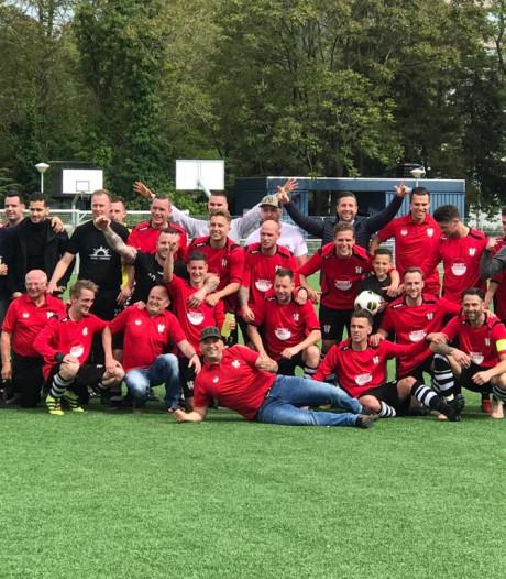 Overzicht | Zwaluwe met opgeheven hoofd nacompetitie in, Oosterhout pakt periodetitel
