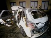 Auto gaat in Den Bosch in vlammen op, vermoedelijk aangestoken