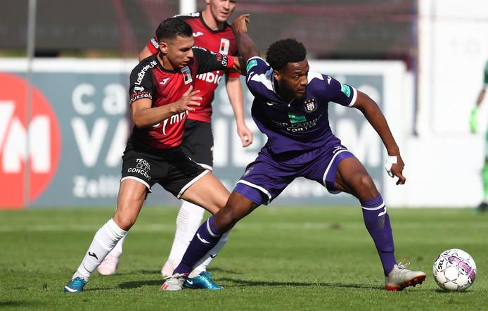 Hannes Delcroix in actie namens Anderlecht.