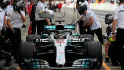 Hamilton pakt pole in Japan, Vandoorne (19de) hoopt op warm weer