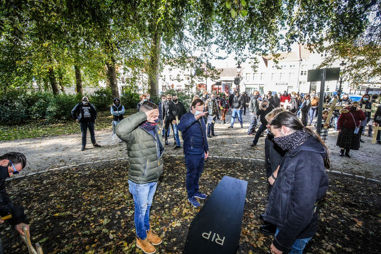 catering action against corona measures in Bruges