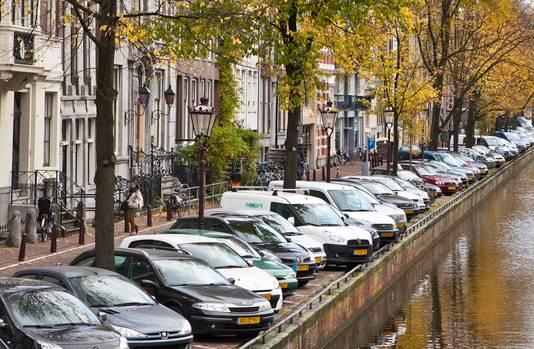 Amsterdam probeert al jaren de verkeersdrukte in het centrum te verminderen. Tot nu toe zonder succes.