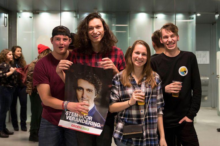 Youp, Samuel, Maartje en Sam, een vriendengroep uit Zeist Beeld werry crone