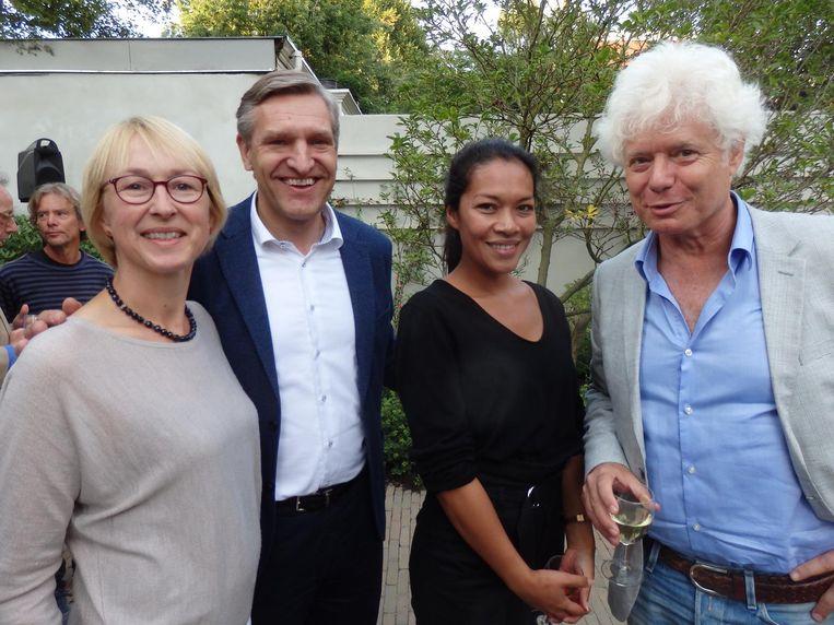 Marijke Geertsema, partner van CDA-voorman Sybrand Buma, auteur Karin Amatmoekrim en multicultureeldramacoryfee Paul Scheffer Beeld Schuim