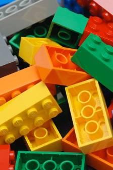 Een spaceshuttle van Lego moet vliegen. Maar dat kan dus niet
