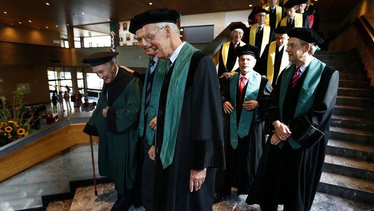 Binnenkomst van het cortege van hoogleraren tijdens de opening van het academisch jaar van de Erasmus Universiteit. Beeld anp