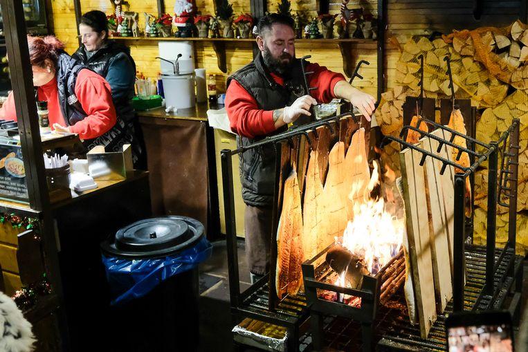 Opening winterpret: kraampje met gerookte vis om het Sint-Kateleineplein