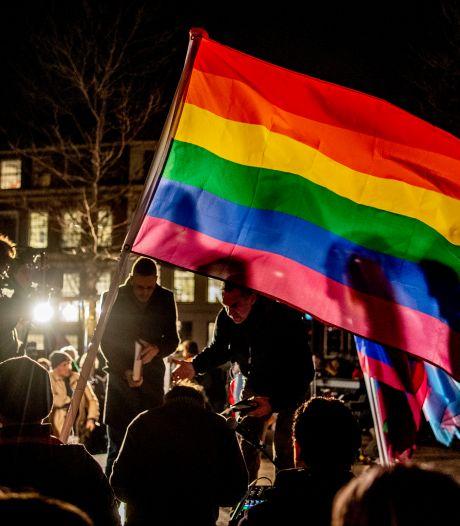 Oost is anti-homogeweld zat en hijst permanent regenboogvlag