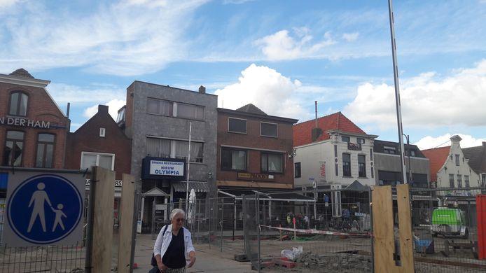 Slagbomen helpen straks bij een veilige oversteek van de haven in aanbouw in Zevenbergen.
