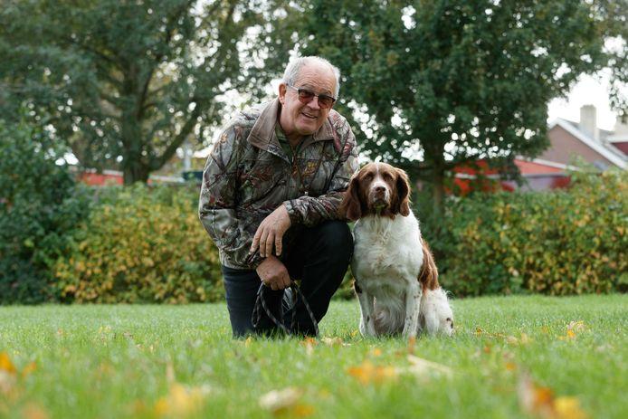 Cor Kortsmit uit Zevenbergen gaat met zijn hond Laika naar de NK Jachthonden.