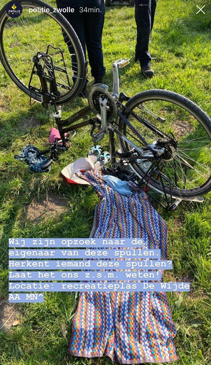 Politie vraagt op social media wie de kleding bij de fiets herkent.