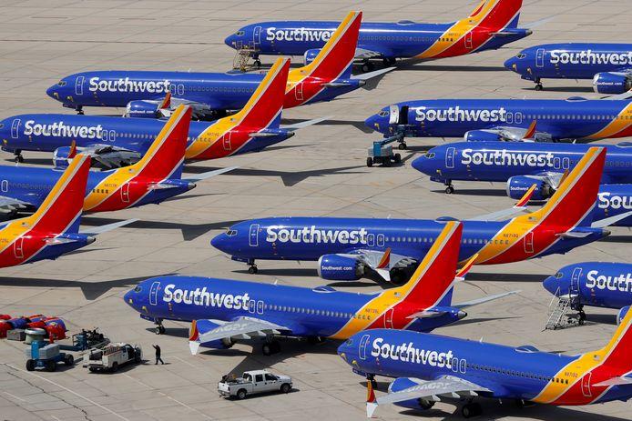 Een deel van de Boeing 737 MAX-vloot van Southwest Airlines staat geparkeerd op vliegveld Victorville Airport in Victorville, Californië.