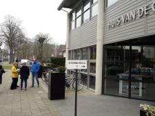 Traditioneel druk bij stembureau in gemeentehuis Wijchen