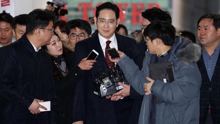 De speciale aanklager van Zuid-Korea heeft maandag om een arrestatiebevel van de topman van Samsung Jay Y. Lee gevraagd. Beeld getty