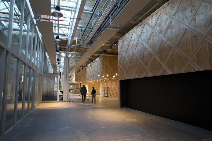 Impressie van Hal12, het nieuwe cultuurcentrum in Zevenaar dat in april opent met een twaalfdaags festival.