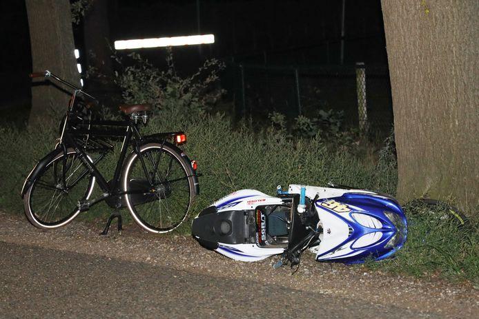 Ongeval scooterrijder en fietser in Volkel.
