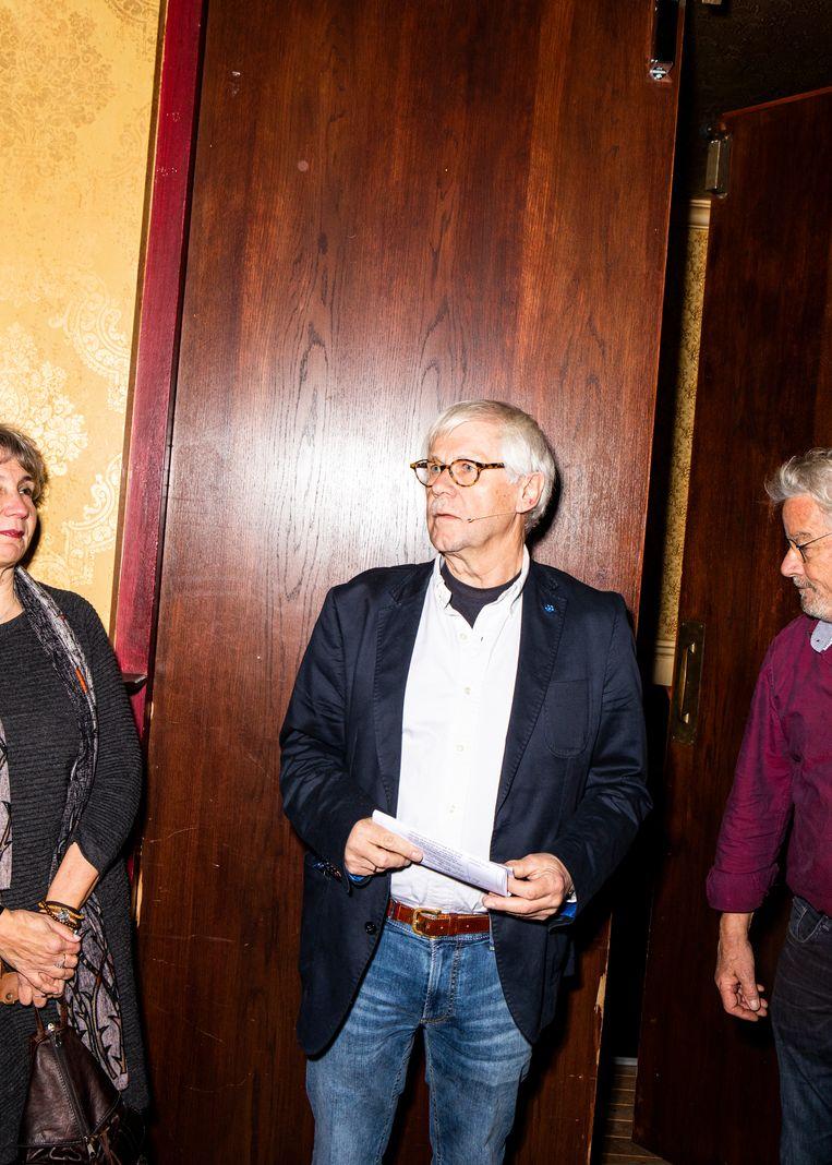 Dik van Beest, gepensioneerd wiskundedocent en presentator van Spraakvermaak.  Beeld Hilde Harshagen