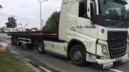 Alerte trucker maakt al rijdend afspraak met brandweer voor blussen brandende remmen