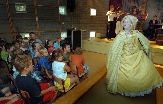 Een optreden van Holland Baroque in een school in Cuijk.