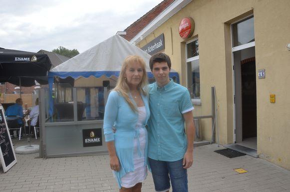 Nieuwe uitbaatster Ingrid met haar zoon Kayël.