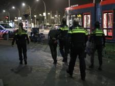 Politie valt woning aan Vuursteen binnen na bedreiging met mes, verdachte probeert via dak te vluchten
