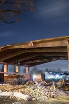 4x gave foto's van het half afgebroken Lidl-pand