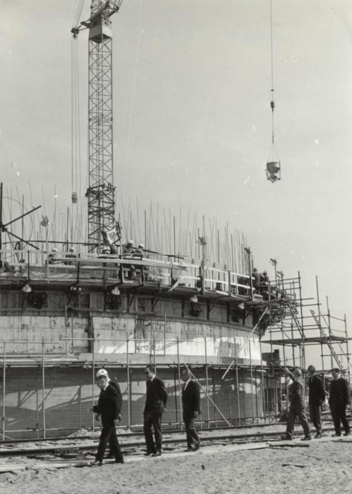 1968, de eerste silo in aanbouw.foto Stadsarchief Breda