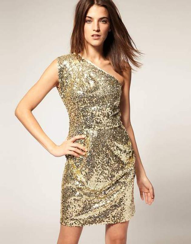 Gouden jurk bij Asos.com.