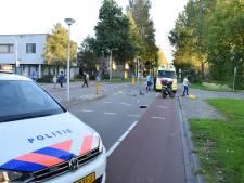 Scooterrijder in flank geraakt door kerende taxi in Plaswijck