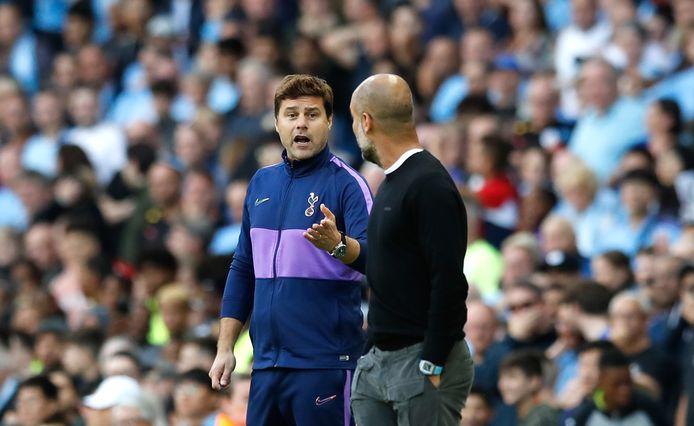 Mauricio Pochettino in gesprek met Pep Guardiola.